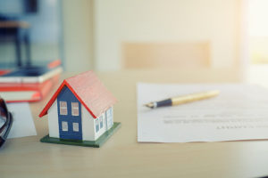What's the difference between a deed and title?